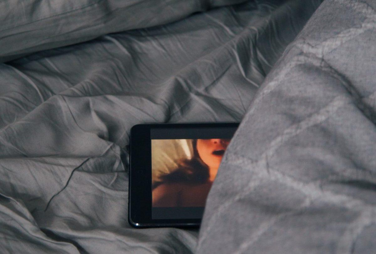 5 PRODUÇÕES SOBRE SEXO E PORNOGRAFIA DISPONÍVEIS NA NETFLIX