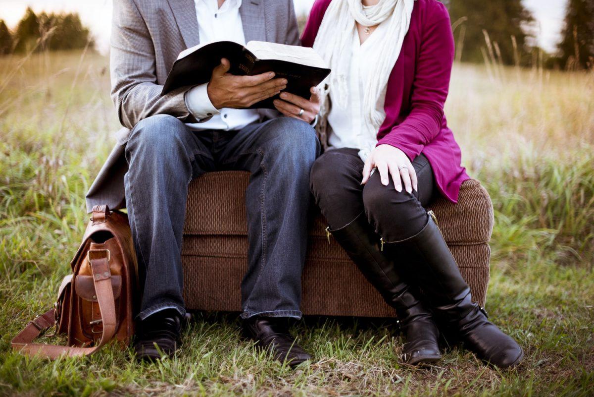 8 LIVROS PARA APRIMORAR A CONVIVÊNCIA E O RELACIONAMENTO A DOIS